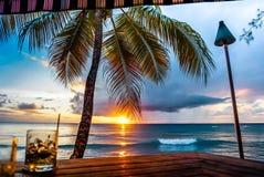 Solnedgångsikt av den Barbados stranden Arkivfoton