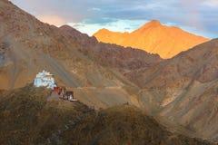 Solnedgångsikt av den Leh staden, Ladakh, Indien Fotografering för Bildbyråer
