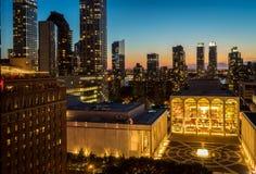 Solnedgångsikt av Lincoln Center royaltyfri foto