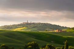 Solnedgångsikt av Pienza Arkivfoto