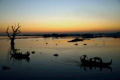 Solnedgångsikt från bron för U Bein Arkivfoton