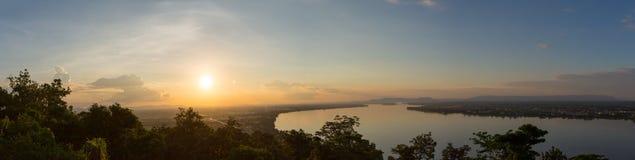 Solnedgångsikt i Mekong River Fotografering för Bildbyråer