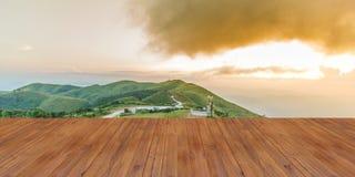 Solnedgångsiktspunkt på Nern Chang Suek Viewpoint, Pilok, Kanchanab Arkivfoton