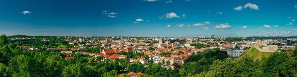 SolnedgångsoluppgångCityscape av Vilnius, Litauen in arkivbild
