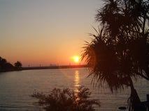 Solnedgångsoluppgången är den härliga sikten arkivbilder