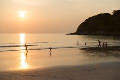 Solnedgångstrand i Thailand, Phuket arkivfoto