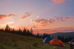 solnedgångtents två Fotografering för Bildbyråer