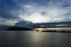 Solnedgångtid vid pir Fotografering för Bildbyråer