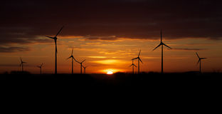 solnedgångturbinwind Arkivfoton