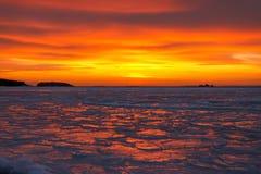 Solnedgångvinter. Royaltyfri Foto