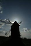 solnedgångwindmill Arkivfoton