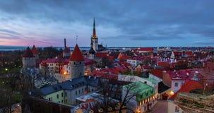 Solnedg?ng i Tallinn, Estland. Timelapse 4K arkivfilmer