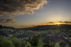 solnedgång för 2 förorter Arkivfoto