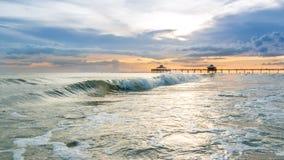 Solnedgång på fortet Myers Beach Arkivbilder