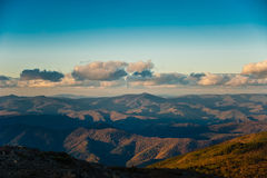 Solnedgång över berg Fotografering för Bildbyråer