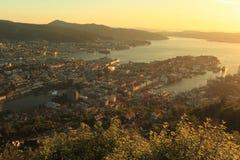 Solnedgång över Bergen Arkivbild
