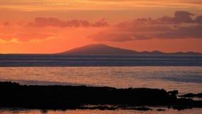 Solnedgång över den Snæfellsjökull vulkan i Island Royaltyfria Bilder