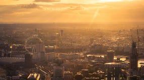 Solnedgång över London Arkivfoto