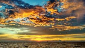 Solnedgångö Västra Borneo Arkivbild