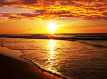 Solnedgångstrand i Thailand Arkivbilder