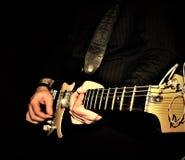 Solo gitarrnärbild Royaltyfri Foto