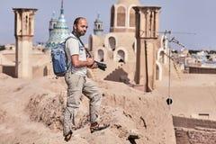 Solo reiziger op een reis aan Iran, de oude stad van Kashan stock afbeeldingen