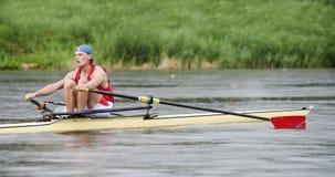 Solo Rowing de hombres Fotografía de archivo libre de regalías