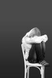 Solo, triste o en mujer joven hermosa del dolor Imagen de archivo libre de regalías