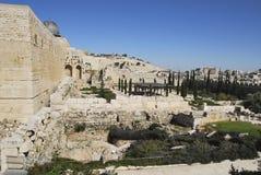 Solomon& x27; s-Tempelüberreste und Al--Aqsamoscheenminarett in Jerusalem Lizenzfreie Stockfotos