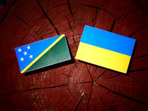 Solomon wyspy zaznaczają z kniaź flaga na drzewnym fiszorku odizolowywają Obrazy Royalty Free