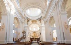 Solothurn, ZO/Zwitserland - 2 Juni 2019: binnenlandse mening van de historische St Ursen kathedraal in de stad van Solothurn binn royalty-vrije stock afbeelding