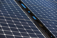 Solpanel alternativ källa av energi Arkivbilder