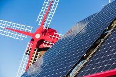 Solpanel alternativ källa av energi Royaltyfri Bild