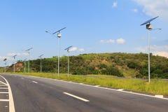 Solpanel på den elektriska polen, bruk av sol- energi för blixt Fotografering för Bildbyråer