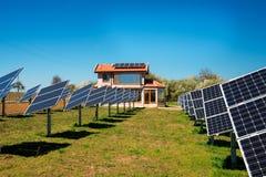 Solpanel photovoltaic alternativ elektricitetskälla Royaltyfria Bilder