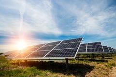 Solpanel photovoltaic alternativ elektricitetskälla Royaltyfri Foto
