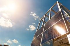 Solpanel solbatteri, alternativ energi Royaltyfria Bilder