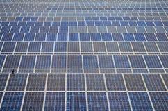 Solpaneler i Thailand, sol- energi Royaltyfri Bild