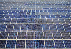 Solpaneler i Thailand, sol- energi Royaltyfria Bilder