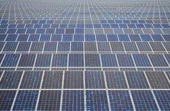 Solpaneler i Thailand, sol- energi Arkivbild