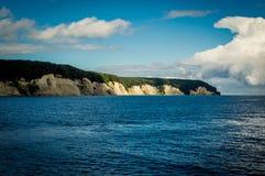 Solsken över kritaklippor på ön för RÃ-¼gen, Tyskland, Europa Royaltyfria Foton