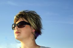 solsken för blåa skies Arkivfoto