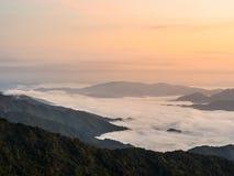 solsken på berget Arkivfoton