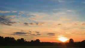 Solsken på solnedgången Tid schackningsperiod stock video