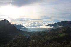 Solsken Volcano Mount Bromo, östliga Java Indonesia arkivbild