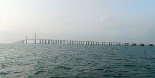 SolskenSkyway bro - Tampa Bay, Florida Royaltyfri Fotografi