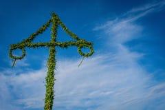 Solståndmajstången, svensk beröm som är solig i, parkerar sigtuna royaltyfria bilder