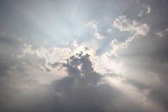 Solstråle på blå himmel Fotografering för Bildbyråer