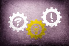 Solução individual que encontra - conceito do negócio dos trabalhos de equipa ilustração do vetor