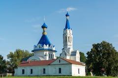 利佩茨克州,俄罗斯- 8月10 2016年 圣德米特里Solunsky教会在村庄Korobovka,地标 免版税库存图片